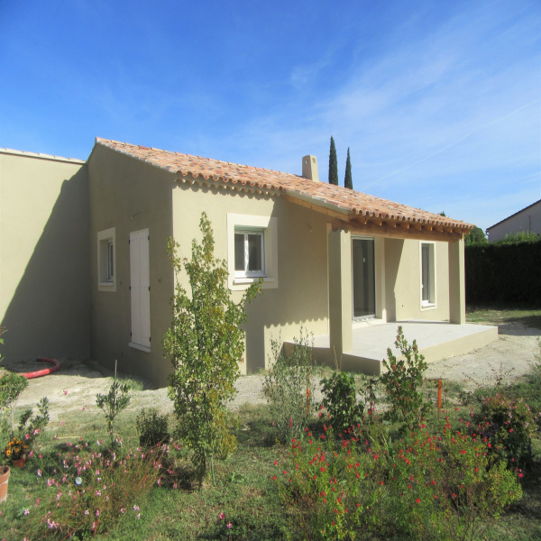 Offres de location Villa Saint-Étienne-du-Grès 13103