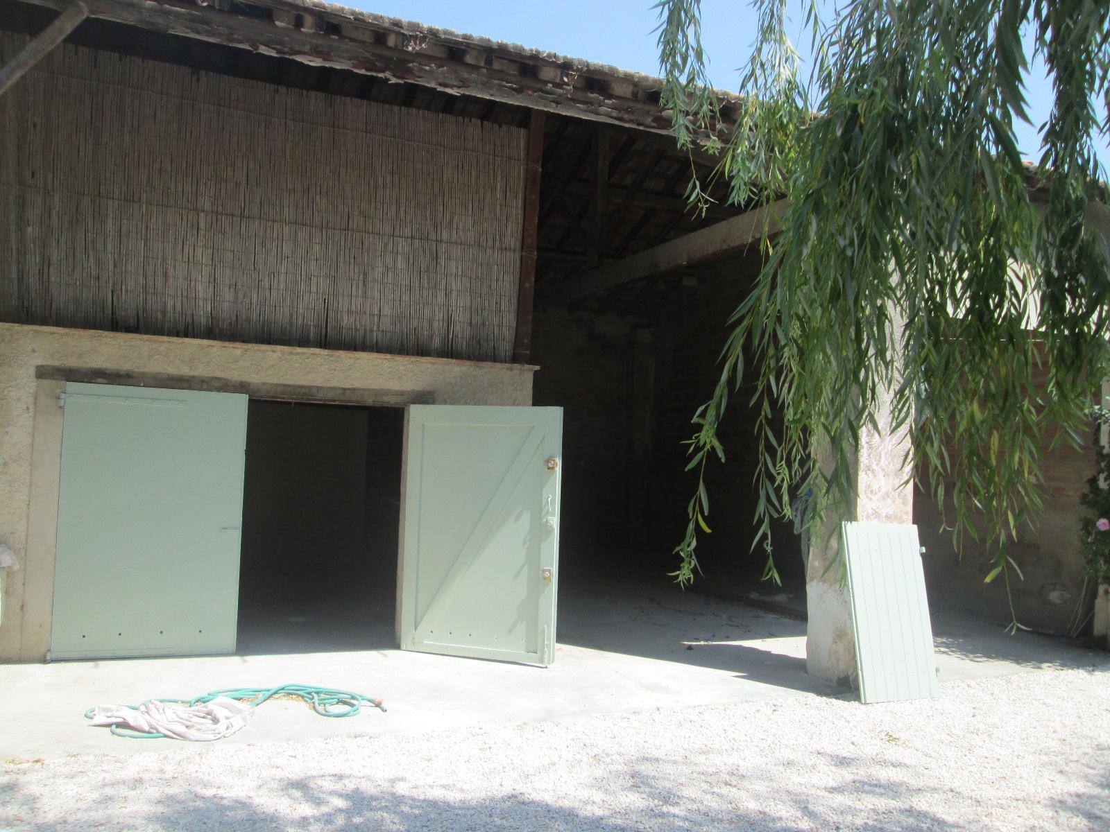 Location maison t3 avec jardin garage et hangar for Hangar jardin
